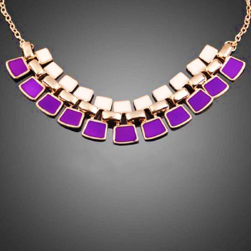 Colier geometric auriu cu email crem si violet Cherry