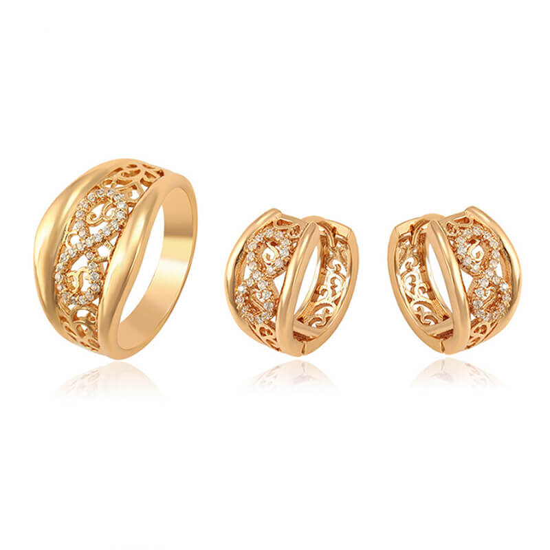 Set cercei și inel Selena placat cu aur 18K